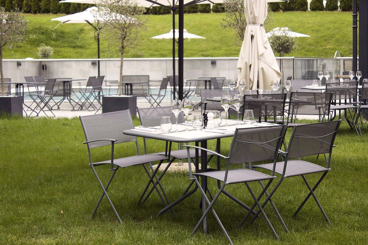 Accompagnez votre terrasse par un salon de jardin contemporain
