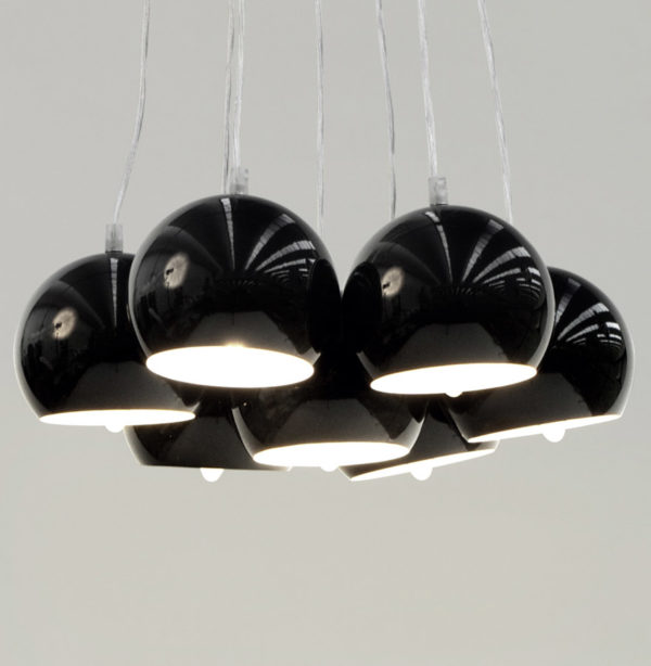 Suspension-design-´BILBO´-7-boules-noires-suspendues-1