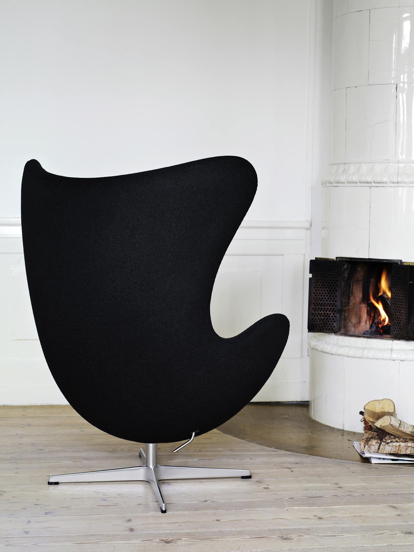 fauteuil design pivotant oeuf arm jacobsen