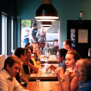 Comment choisir le mobilier de son restaurant, bar ou café ?