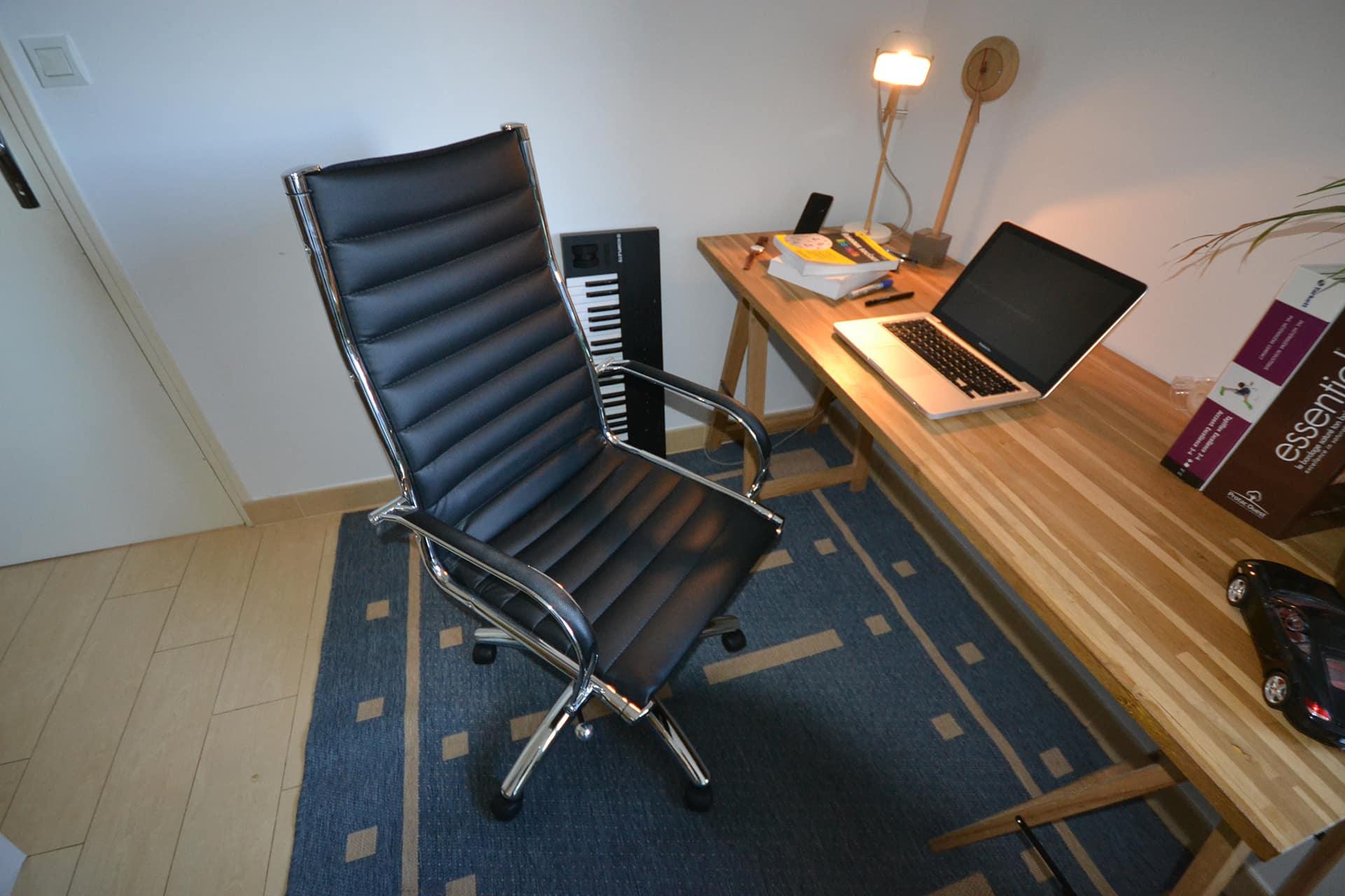 Essai du fauteuil de bureau design Milan – couleur noire