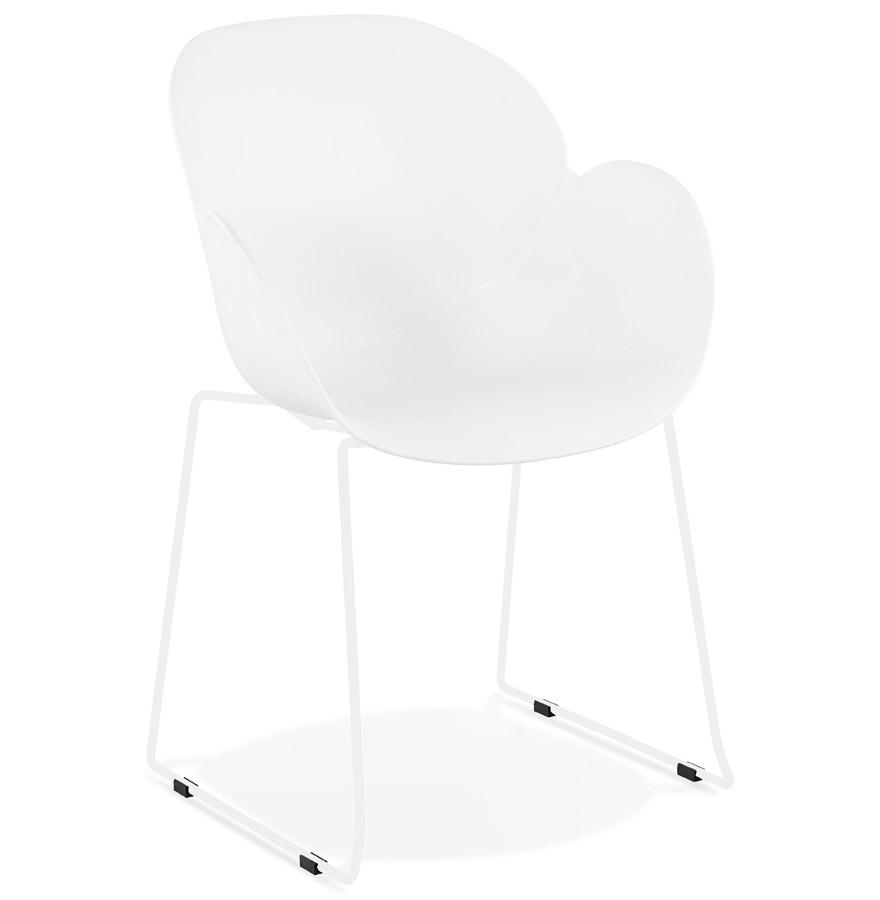 Chaise avec accoudoirs 'ZAKARY' blanche avec pied en métal - intérieur /extérieur