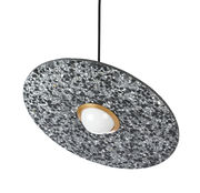 Suspension Terrazzo Planet / Disque inclinable - XL Boom noir,laiton en pierre