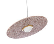 Suspension Terrazzo Planet / Disque inclinable - XL Boom rouge,laiton en pierre