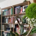 Équipez votre habitation ou votre bureau d'une étagère en bois design