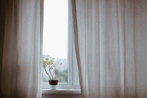 Read more about the article Comment coudre ses propres rideaux pour sa déco intérieure